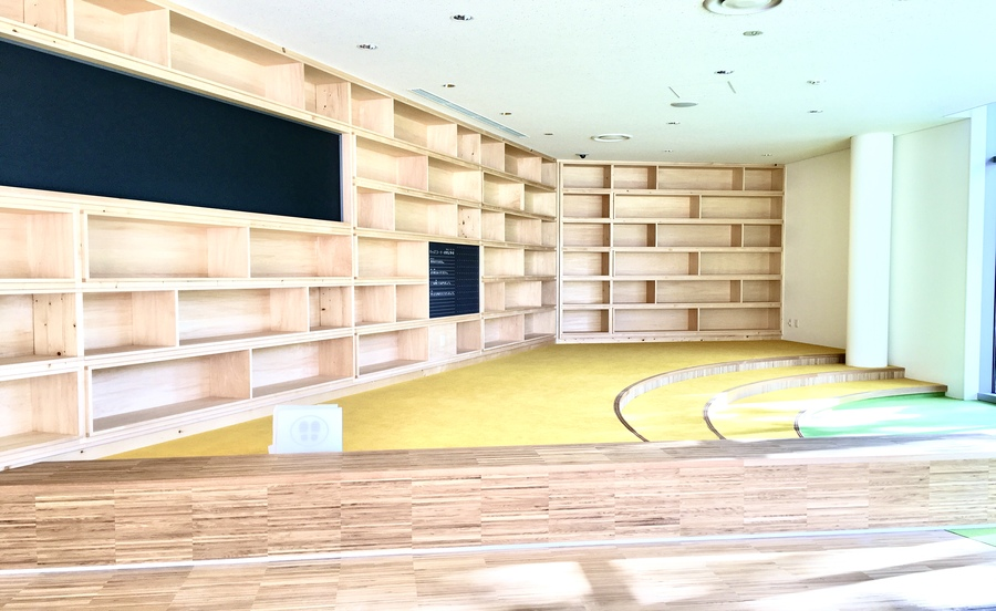 宝塚市立文化芸術センター内のライブラリー