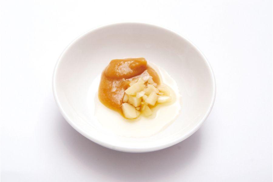 にんにくと味噌で作る餃子たれ