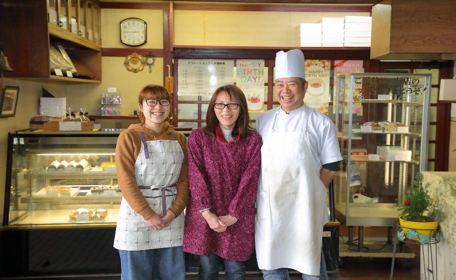 ファースト洋菓子店のご家族