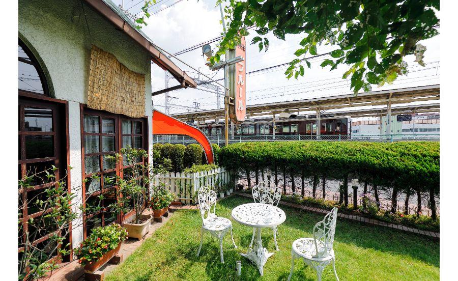 喫茶店と阪急電車