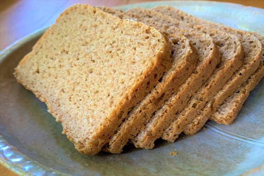 シンプル酸味を感じるプレーンのライ麦パン