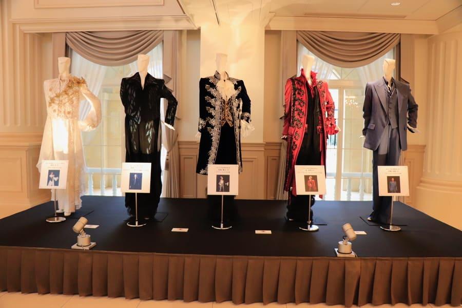 展示された各組トップスターの衣装