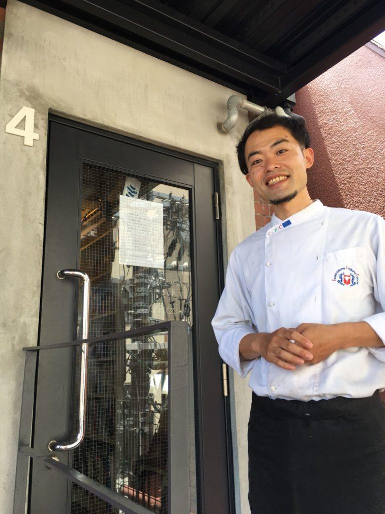 イタリア食堂910の工藤さんがお出迎え