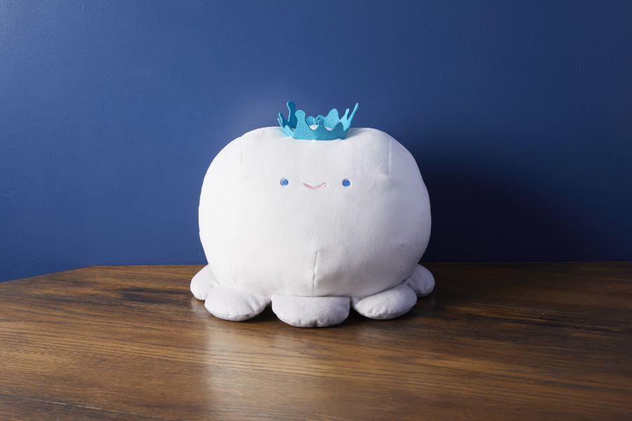 クラゲクッション王冠付き
