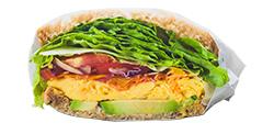具材たっぷりのサンドイッチ
