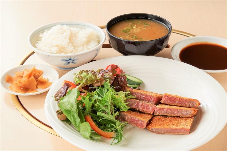 岡山のブランド牛を使用したビフカツ定食