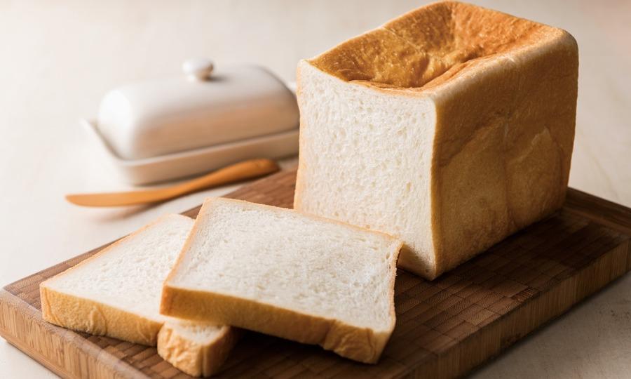 カットされた食パン