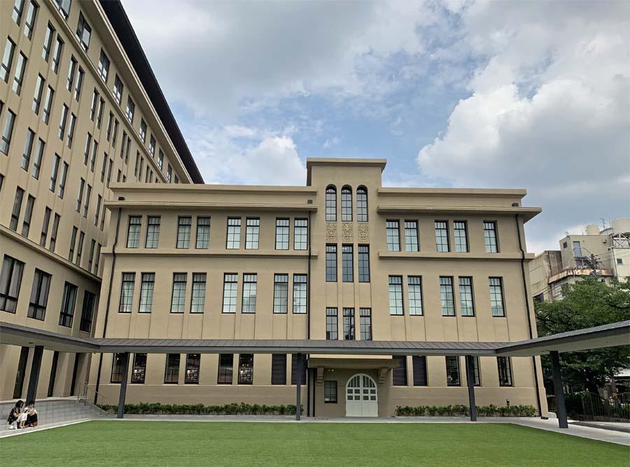 小学校の建物をそのまま利用ヒューリック京都