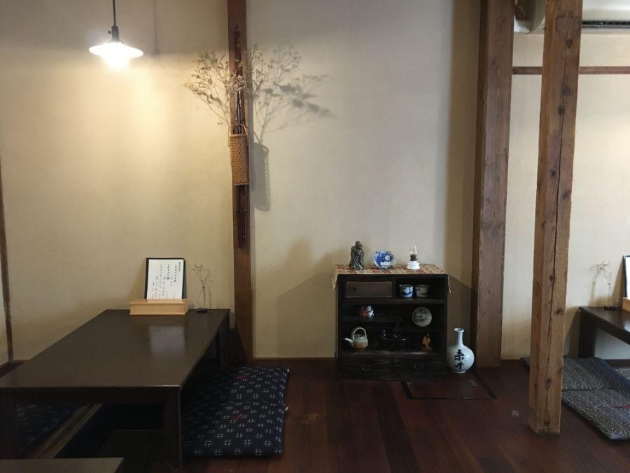 座敷と飾り棚