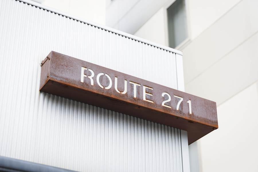 ルート271の看板