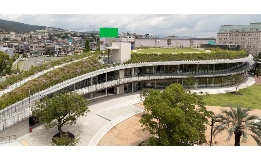 宝塚市立文化芸術センターの外観