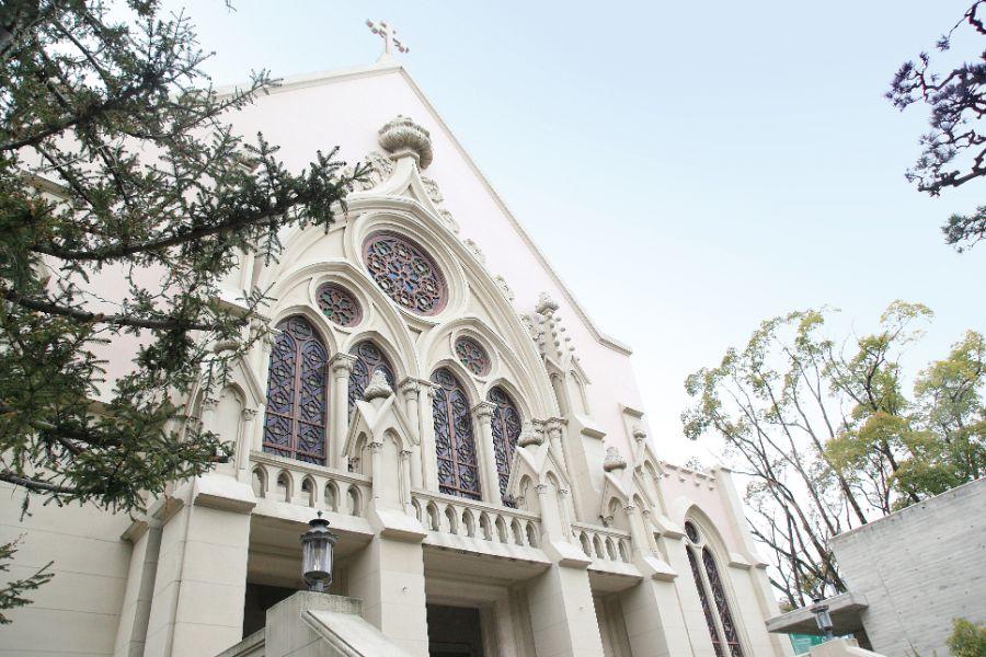 カトリック夙川教会の外観