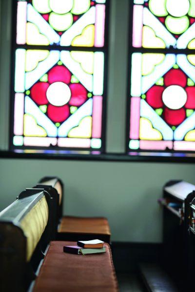 カトリック夙川のステンドグラス