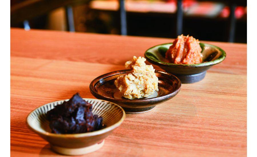 米、麦、豆などから選べる味噌汁の味噌