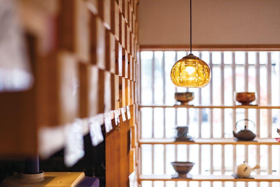 店内のランプ