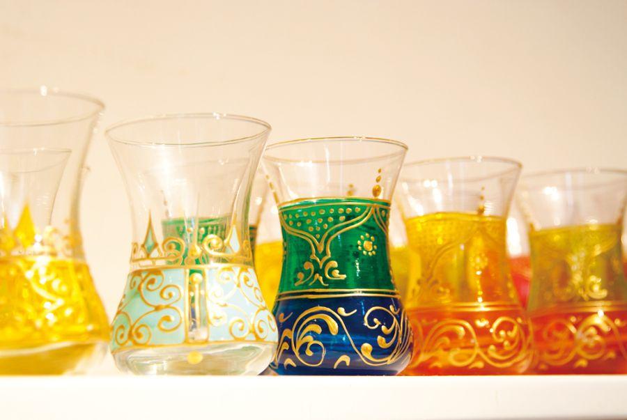 鮮やかなグラス