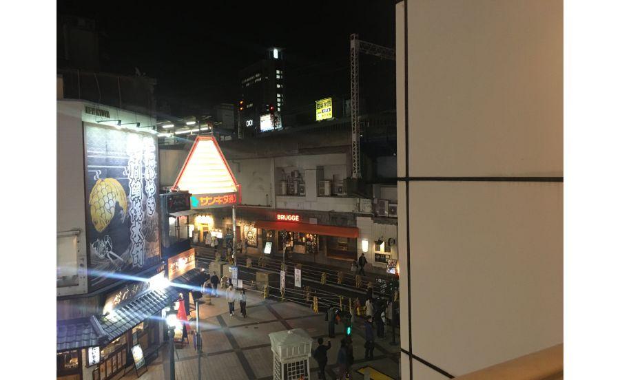 お店からも阪急神戸三宮駅がすぐ見える
