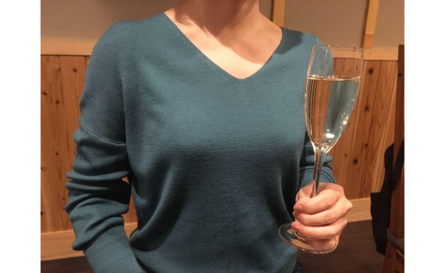 日本酒はワイングラスで提供される
