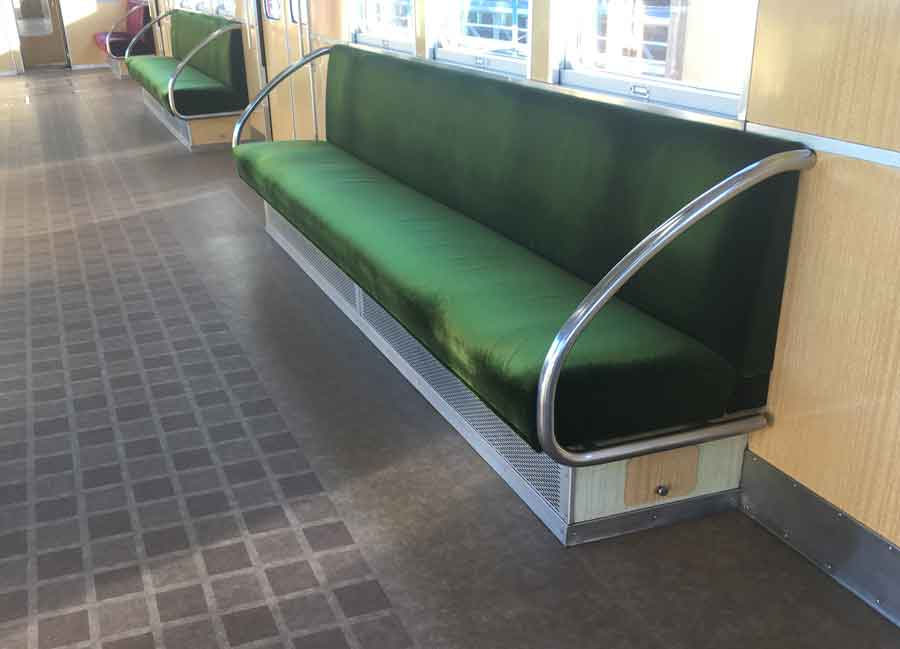 阪急電車のロングシート