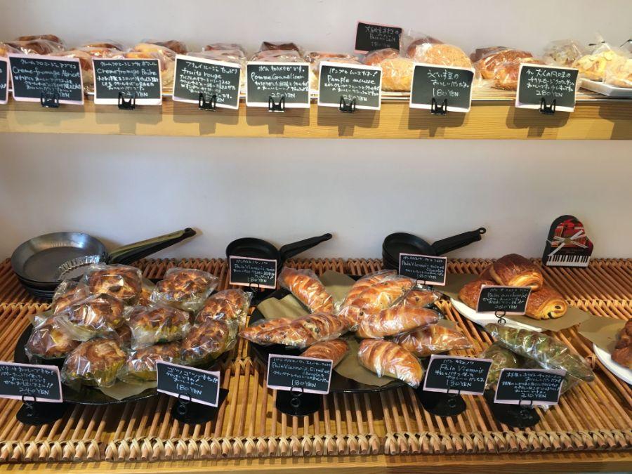 ハード系からスイーツ系まで種類豊富なパン