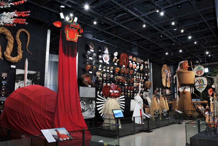 日本の祭りに関する展示ゾーン