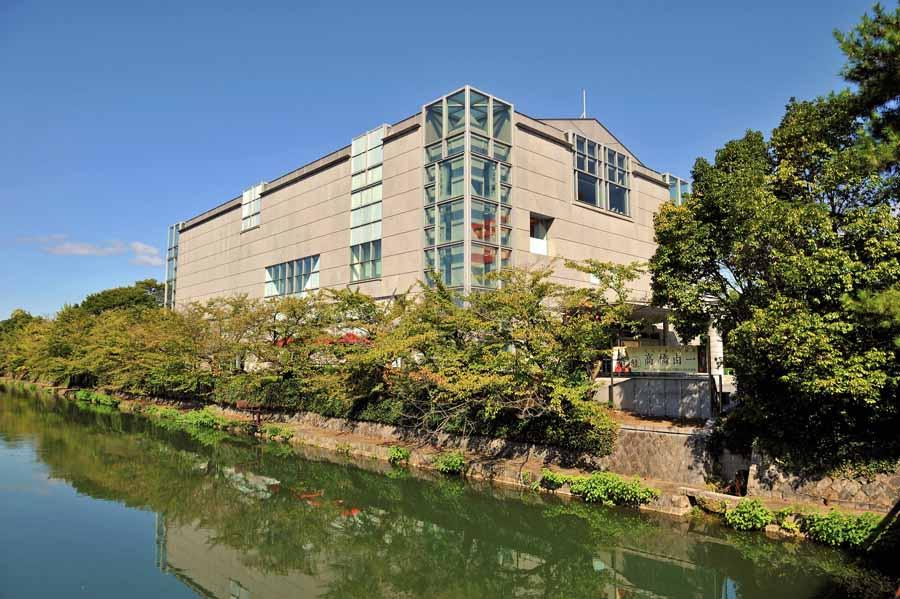 京都国立近代美術館の外観
