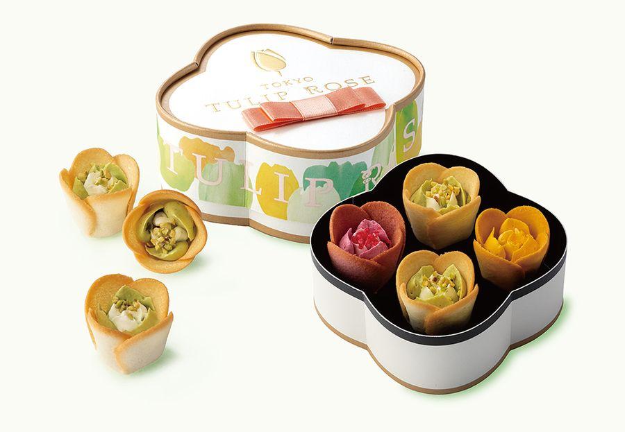 可愛いボックスに入ったチューリップローズピスタチオのセット