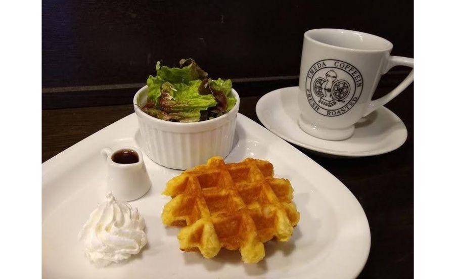 梅田コーヒー院のワッフル