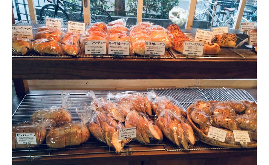 CANTE GRANDE BAKERYの商品棚
