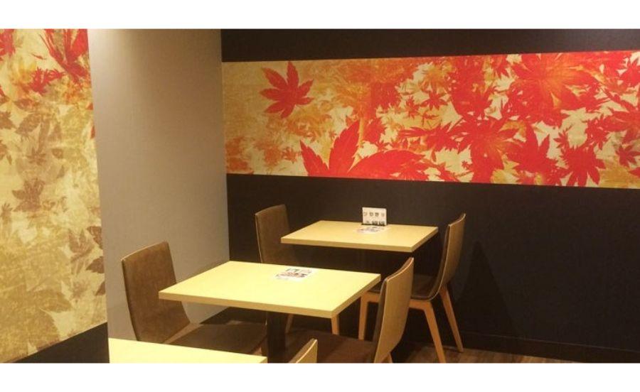 CHA-salon SAKURA MOMIJIのテーブル席