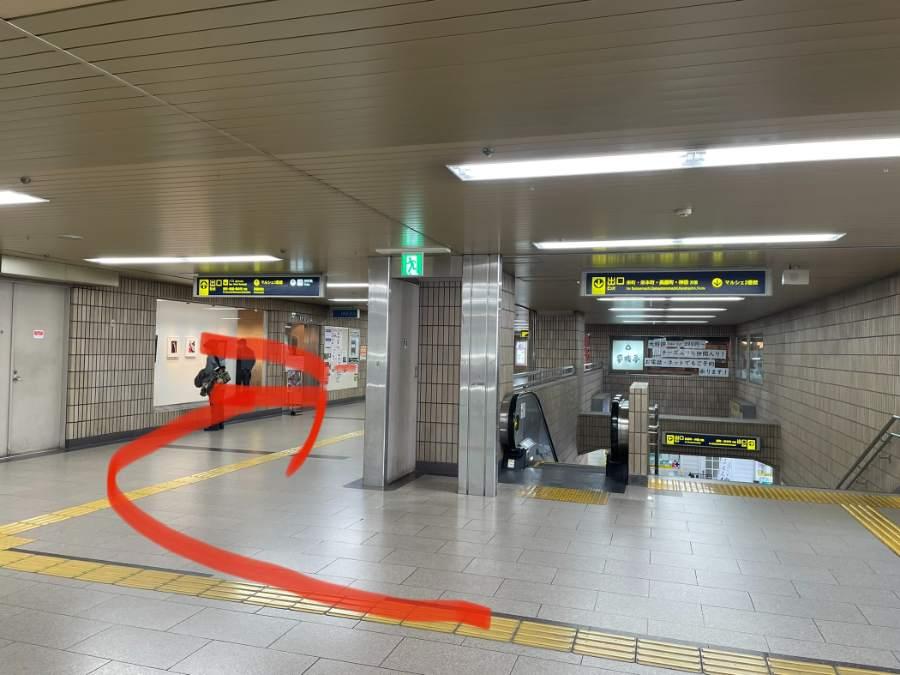 池田駅のコンコース