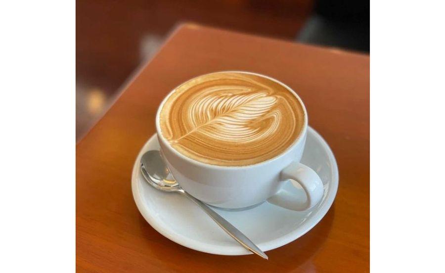 名次珈琲店のカフェラテ