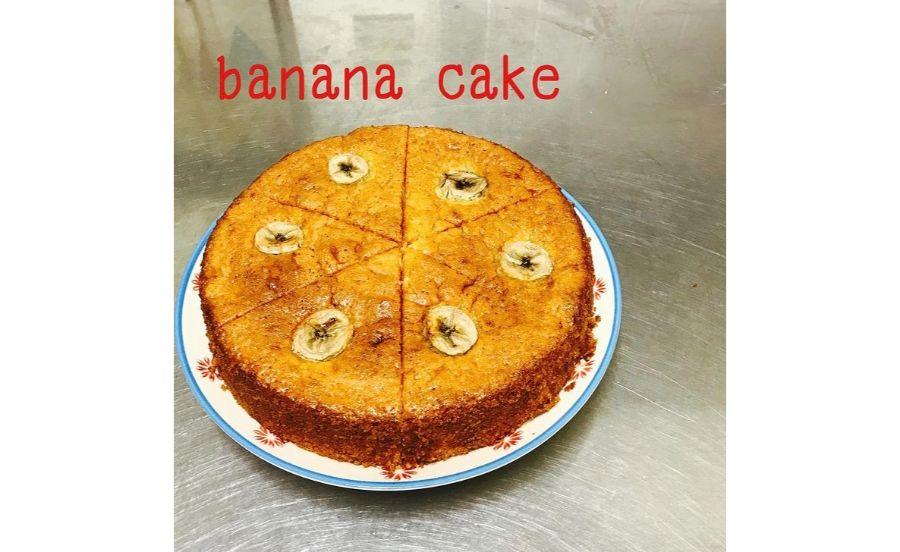 高波カフェのホットバナナケーキ