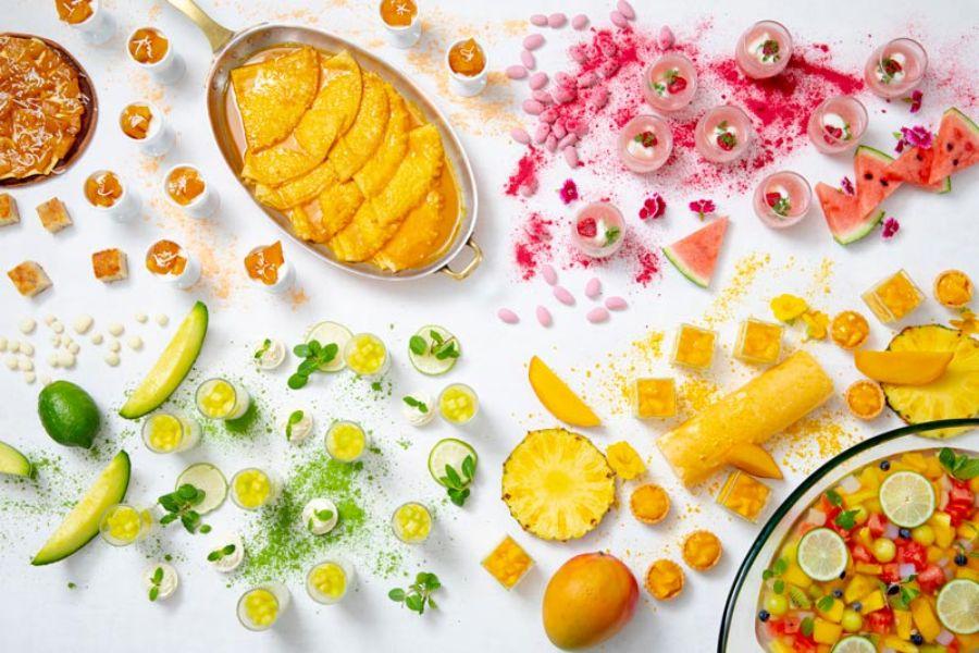 カラフルなトロピカルフルーツ