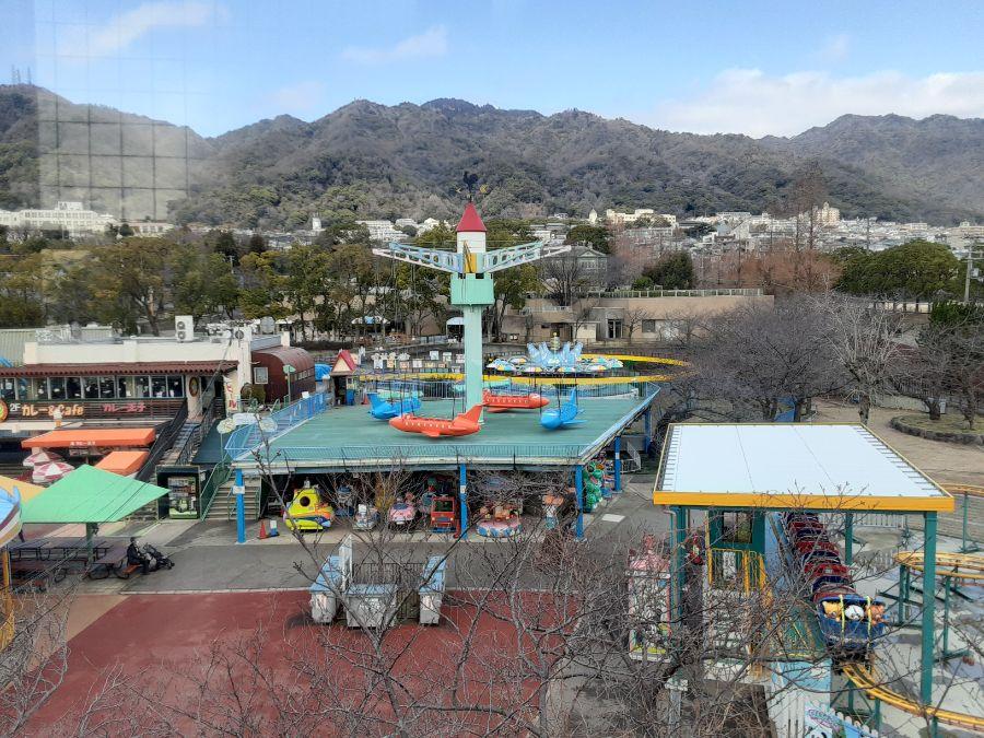遊園地の遠景