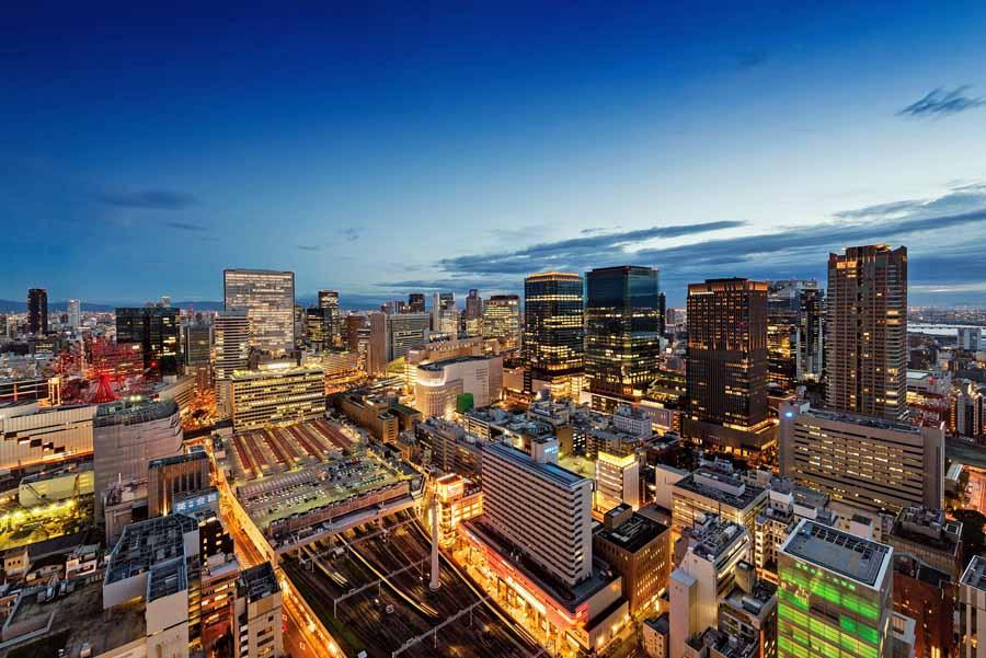 阪急インターナショナルホテルからの阪急電車ビュー