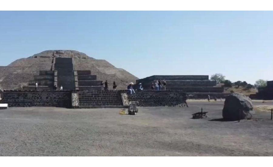 テオティワカンの月のピラミッド