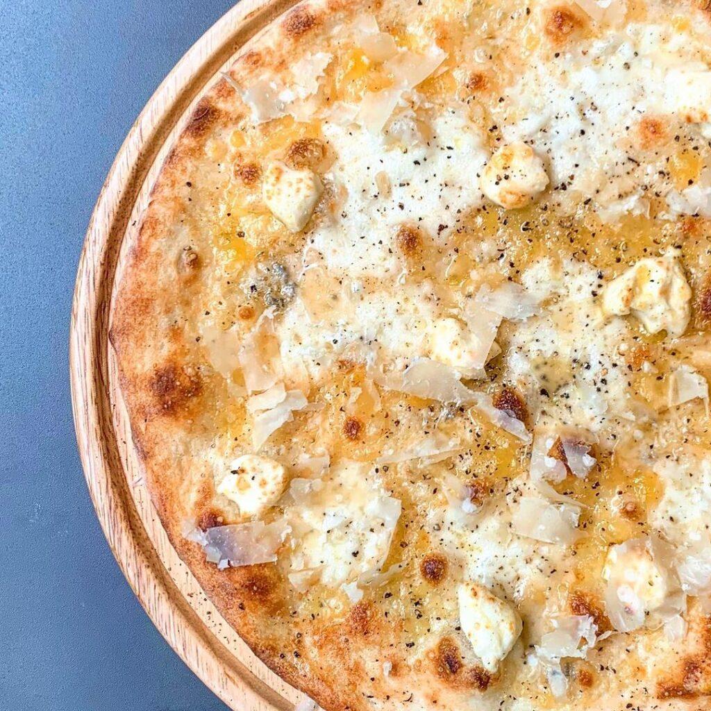 高槻ひなたのピッザ