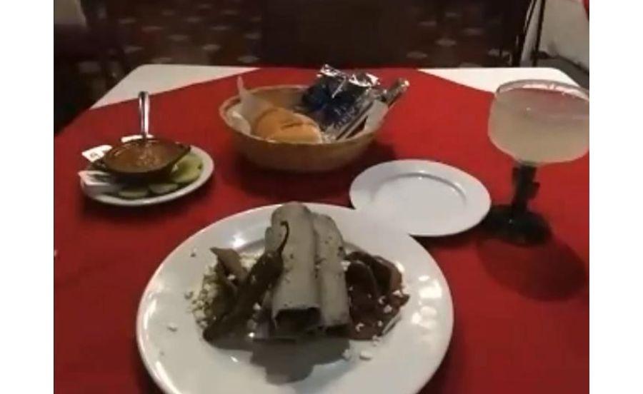 メキシコシティの高級レストランのディナー