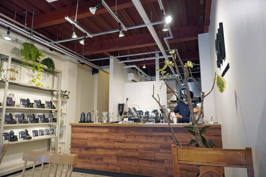 SANWA COFFEE WORKS本店の内観